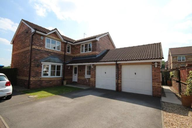 4 Bedroom Detached House For Sale In Yew Tree Drive Ls26