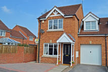 3 bed semi detached home in Gleneagles Court...