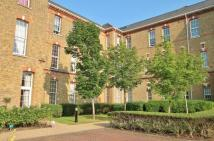 3 bedroom Flat in Florence Way, Knaphill...