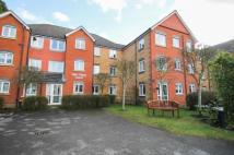 2 bedroom Flat in Hart Dene Court, Bagshot...