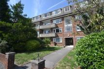 2 bedroom Flat to rent in Redhill Drive...