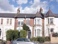 2 bed Flat to rent in Oakfield Road...