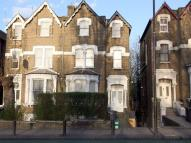 Flat to rent in Green Lanes...