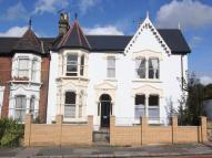 3 bed Flat to rent in Oakfield Road...