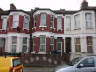 4 bed Terraced home to rent in Hewitt Road, Haringey