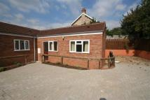 Bungalow to rent in Crown Way, Leamington Spa
