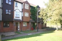 Town House to rent in Howard Walk, Warwick