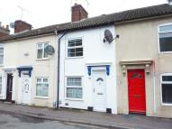 2 bed Terraced property in Summer Street...