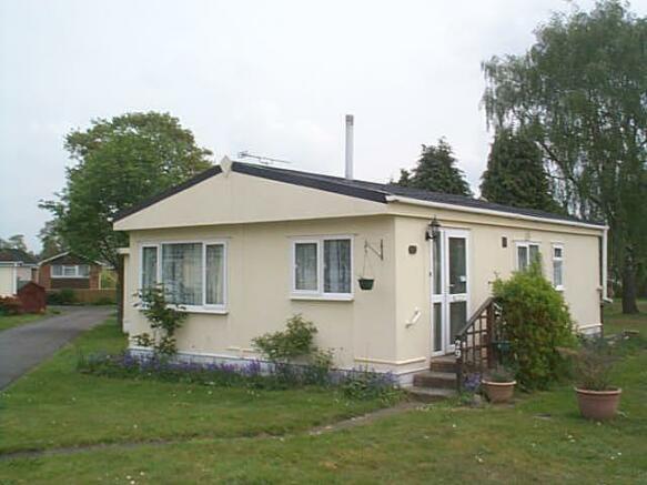 2 Bedroom Park Home For Sale In Blackbushe Dungells Lane