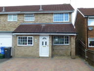 3 bed End of Terrace property in Lymington Avenue...