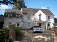 Detached Villa to rent in Croft Close...