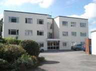 2 bed Ground Flat to rent in Wallace Road, Broadstone...