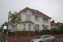 2 bedroom Flat in Churchill Road...