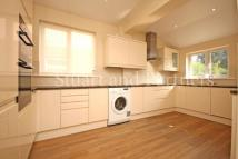 3 bed semi detached house in Sunte Avenue, Lindfield