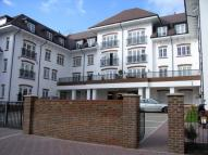 Flat to rent in Woodcote House...