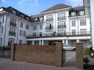 2 bed Flat to rent in Woodcote House...