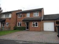4 bed Link Detached House in Spayne Close...