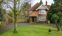 Detached home in Barton Road, Luton...