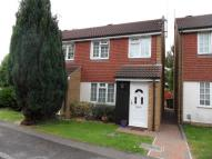 3 bed semi detached property to rent in Malham Close, Luton...