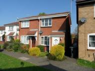 2 bed semi detached home to rent in Hawkfields, Bushmead...