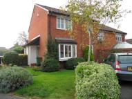 Cluster House to rent in Farrow Close, Luton...