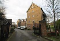 2 bedroom Apartment to rent in Fryers Lane, High Wycombe