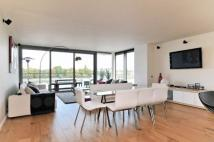 Flat for sale in Riverside Quarter...
