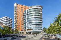 Flat to rent in Brewhouse Lane...
