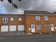 3 bed semi detached property to rent in Warrener Close...