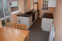 Ground Flat to rent in Minehead Street...