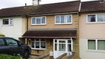 Town House to rent in Sunbury Green...