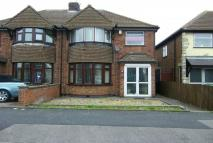 3 bed semi detached house in Maple Avenue...
