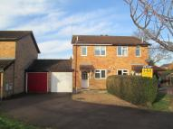 2 bed semi detached house in Simons Close...