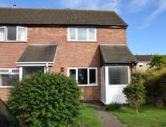 Town House to rent in Alport Way...