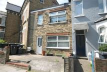 2 bed Terraced house in Whittington Road...