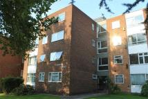 2 bed Flat to rent in Embassy Court...