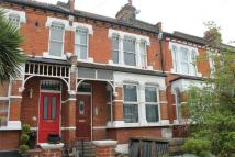 Studio flat in Hardwicke Road...