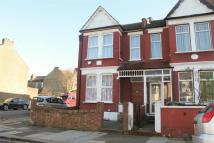 4 bed End of Terrace home to rent in Warwick Road, London