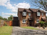 3 bed semi detached house to rent in Farnborough, Hampshire