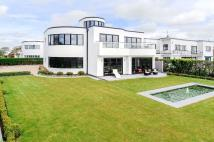 4 bed new property in Audley Way...