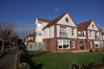2 bedroom Ground Flat in Winchester Road...