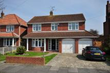 4 bedroom Detached house in Fourth Avenue...