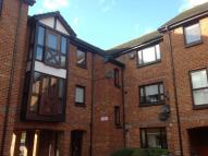 Studio apartment in Farriers Road, Epsom