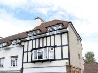 Flat to rent in Gilders Road, Chessington