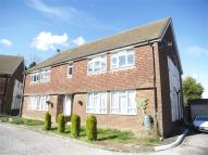 Maisonette in Tattenham Way, Tadworth