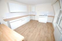 Flat to rent in Elton Shopping Precinct...