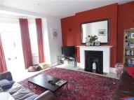 2 bedroom Apartment to rent in Farquhar Road, London