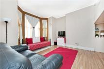 Apartment for sale in Thicket Road, London...