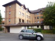Apartment in Orchard Grove, Anerley...