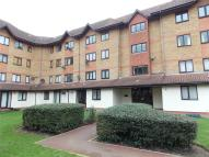 1 bed Apartment in Orchard Grove, London...
